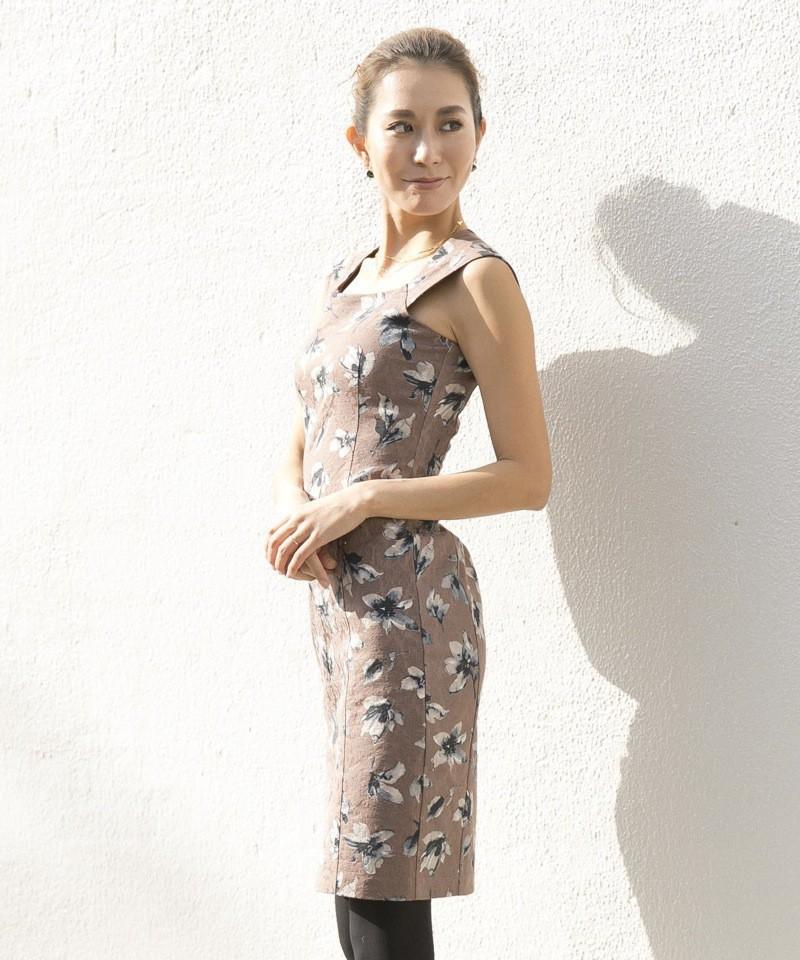 フラワースクエアネックドレス