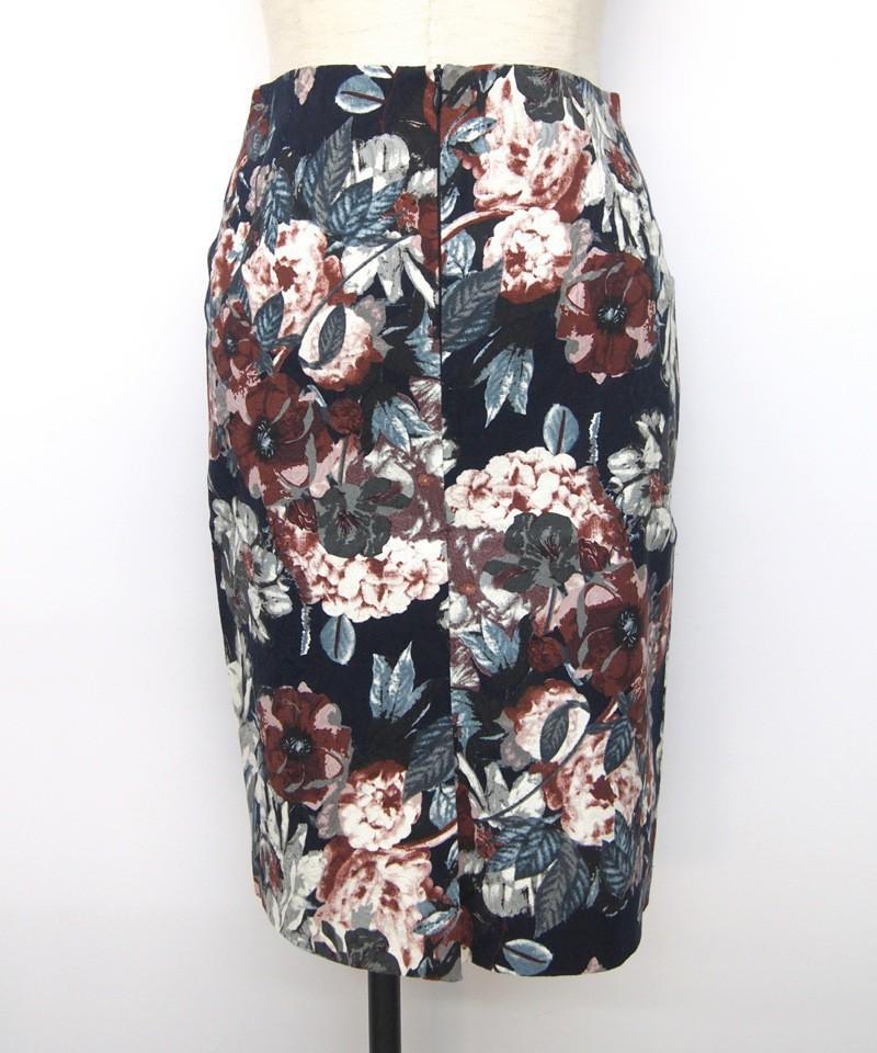 ブリリアントフラワープリントミディスカート